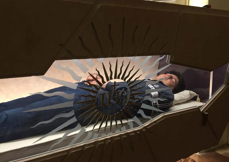 Aperta la tomba di Carlo Acutis