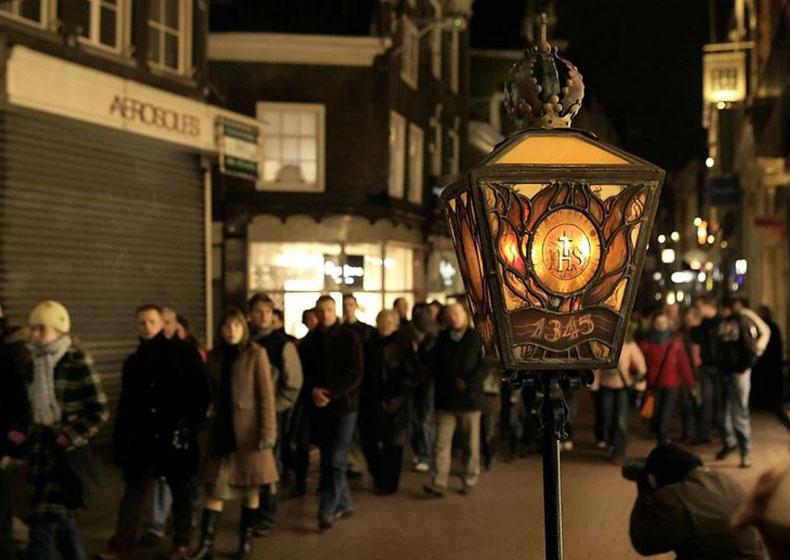 Amsterdam e il fuoco che non distrugge