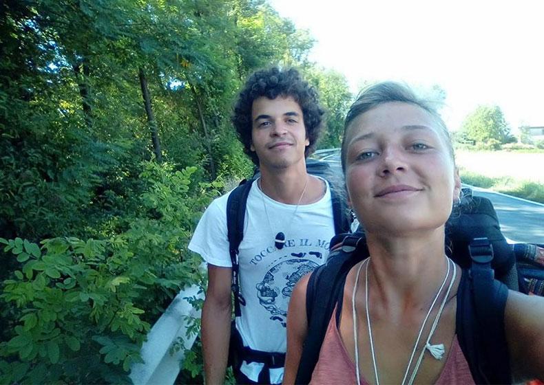 Il giro dell'Italia di Nicola e Chiara: tanta voglia di vivere e zero soldi in tasca